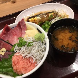 日替り丼と小鉢