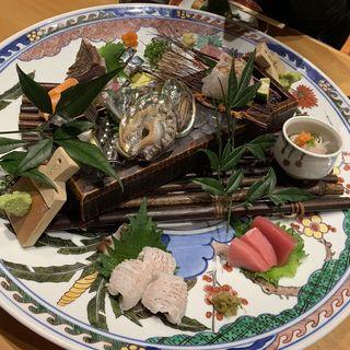 玄海灘産 旬鮮魚お造り盛り合わせ(2人前〜)(博多 表邸)