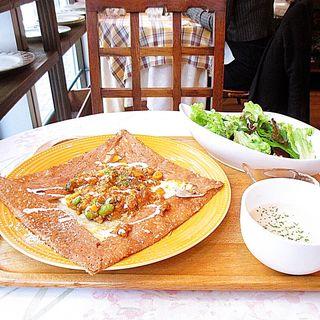 鶏ミンチのキーマカレー(クレープリー・スタンド シャンデレール)