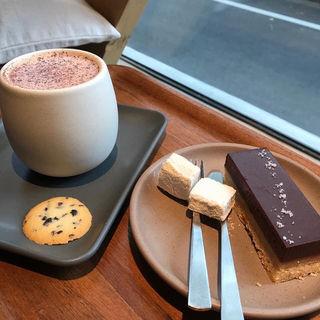 ドゥルセ デ レチェ バー(ダンデライオン チョコレート ジャパン (Dandelion Chocolate Japan))