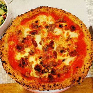 ピッツァ・アッテンツィオーネ(トラットリア ピッツェリア アミーチ (Trattoria Pizzeria Amici))