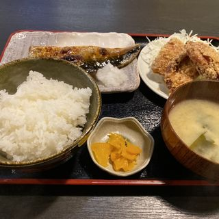 鯖塩焼きと鶏ザンギ定食(千虎 (チコ))