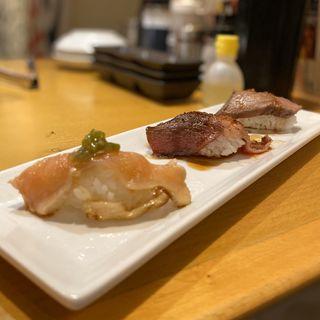 炙り肉寿司三種盛り(国産霜降り牛、うわみすじ、知覧鶏)