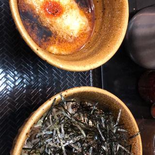 トロロ肉そば(なぜ蕎麦にラー油を入れるのか。新橋店)