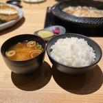 ご飯、味噌汁、香の物