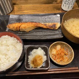 銀鮭塩焼定食