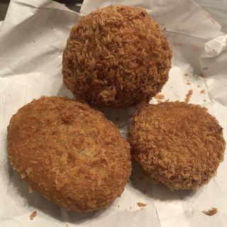 スコッチエッグ、男爵コロッケとコーンとチキンのクリームコロッケ(大野屋牛肉店 )