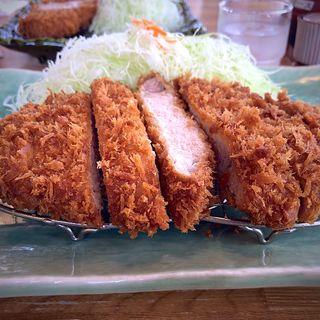 ジャンボロースかつ定食(庄内 )