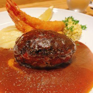 洋食おがた特製ハンバーグ(洋食 おがた )