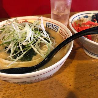 朝定食味噌ラーメン角チャーシュートッピング(味の味噌一 (あじのみそいち))
