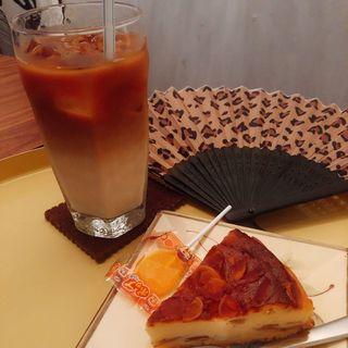 ローストアーモンドのチーズケーキ(タイディカフェ)
