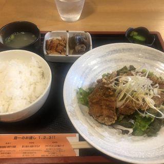 油淋鶏定食(鳥一伝承 焼鳥酒場ヤスモリ商店)