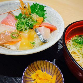 日替わり海鮮丼とにゅうめんセット(堂島とろ家 阪急三番街店 (とろや))