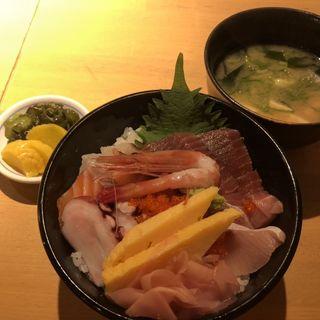 海鮮丼(タマル商店 )