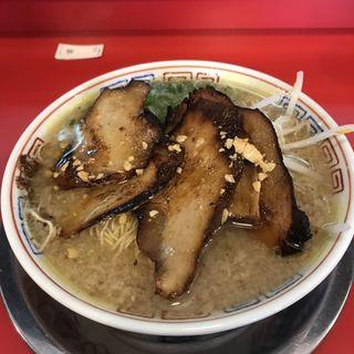 炙りとろ肉チャーシュー麺(博多だるま)
