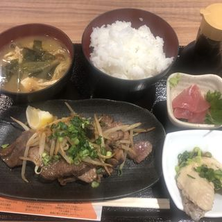 牛タン定食(倉蔵商店 (クラゾウショウテン))