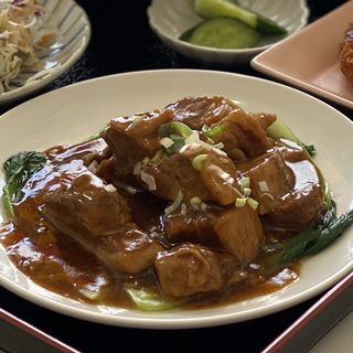 なっちょ限定⁈ 豚角煮定食(中華料理 龍源)
