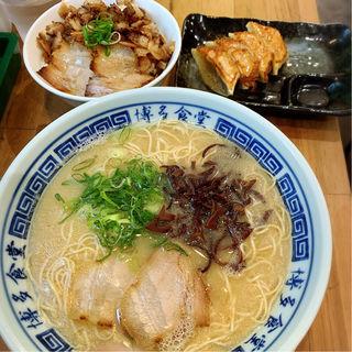 まんぷく定食(博多食堂)