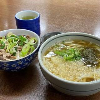 肉丼セット(土手嘉 岡町本店 )