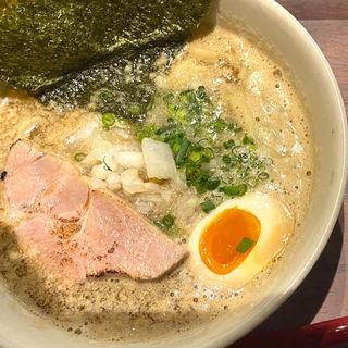 熟成醤油の濃厚煮干し中華そば(刺身と焼魚 北海道伊川鮮魚店)