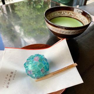 おうすと生菓子(鍵善良房 本店 (かぎぜんよしふさ))