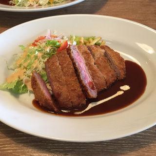 牛ヘレカツランチ(洋食 さかぐち )
