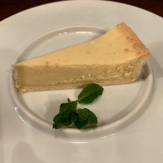 チーズプロフェッショナルが作るチーズケーキ(パラディーゾ デル ヴィーノ タケウチ (PARADISO DEL VINO TAKEUCHI))