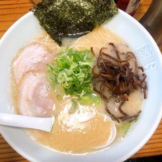 豚骨ラーメン(博多濃麻呂 (はかたこくまろ))