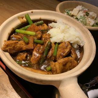 豚角煮の土鍋ごはん      日替わりランチ(黒猫夜 銀座店)