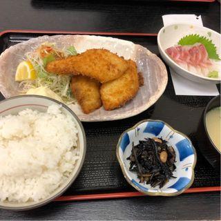 鯛フライ定食+刺身(福魚食堂)