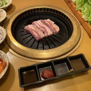 サムギョプサルと鍋食べ放題