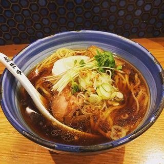 ザ・正油ラーメン(自家製麺 啜乱会)
