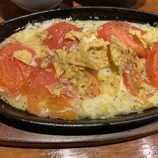 トマトとモッツァレラチーズのオーブン焼き(デクの海小屋)