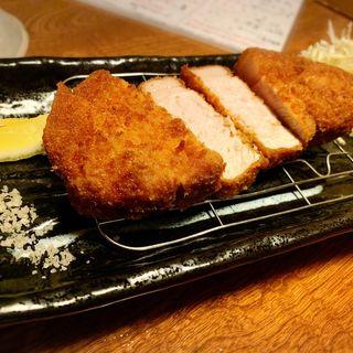 塩とん定食(サラダ・小鉢・ごはん(大・中・小)汁)(久岡家  )