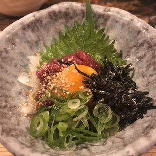 桜ユッケ(立ち呑み あたりや食堂 なんば店 )