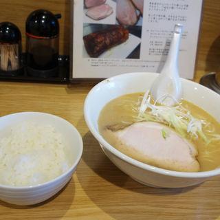 ラーメンライス(ラーメン屋 遊)