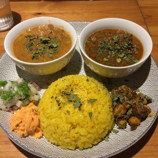 チキンカレーとマトンキーマの2種盛り(Dish curry&relish(ディッシュ カレー&レリッシュ))