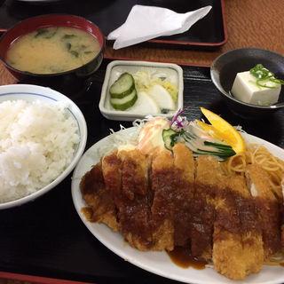 チキンカツ定食(一富士食堂 )