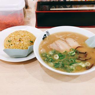 豚骨ラーメン&半分やきめしセット(博多長浜らーめん風び 国立店)