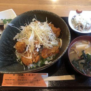 塩唐揚げ丼(倉蔵商店 (クラゾウショウテン))