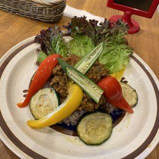 夏野菜のキーマカレー(おむすびCAFE Panino-ni)