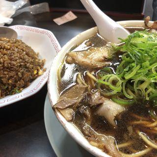 ラーメン(大)炒飯(小)セット(新福菜館 KiKi京橋店 )