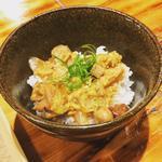 山椒と鶏焼豚の親子丼
