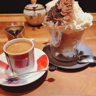 フロステッド・バニラモカ(かふぇ おか がれーじ (Coffee Oka Garage))