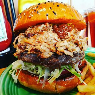 J.GYLEバーガー(The Burgerlion-バーガリオン)