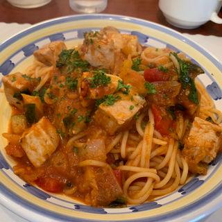 キハダマグロのトマトバジルソーススパゲッティ(タベルナ・パパ )