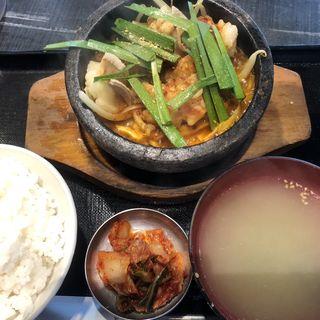 石焼ホルモン定食(日本焼肉党 浅草橋西口店)