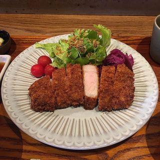 自然派ポーク天恵美豚のロースカツ定食(ルボ飯)