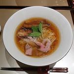 醤油らぁ麺(麺 紡木)