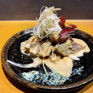 炙り〆鯖と香味野菜の胡麻和え